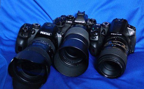 左より、PENTAX K-70,OLYMPUS OM-D EM-1,PENTAX K-30